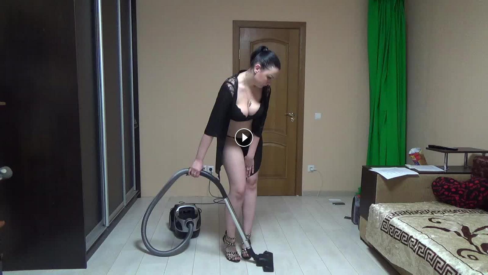 Mom vacuuming XXX galery