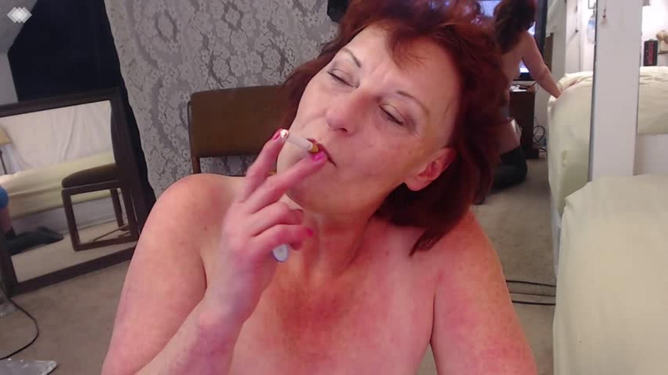 redhead-smoking-sex